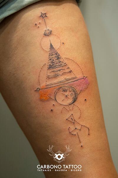 tatuaje-paisaje-playa-geometria